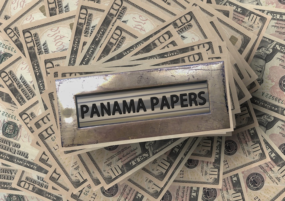 panama papers with money